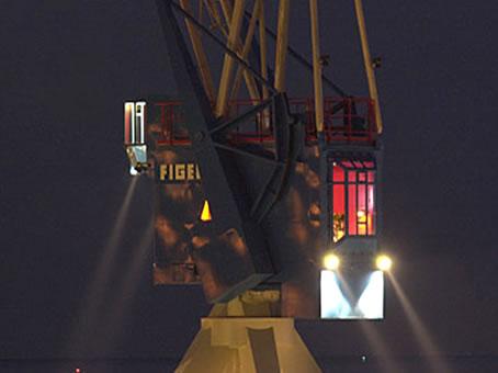 La grue du port de Harlingen aux Pays-Bas