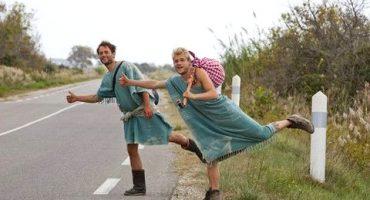 «Nus et culottés» : la nouvelle émission de voyage qui buzzzzz