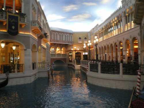 Le Venetian et sa réplique des canaux de Venise