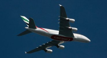Combien de tours du monde pour Emirates Airlines en 2013 ?