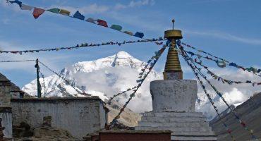 L'Everest devient plus accessible… financièrement