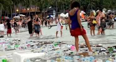 «Gringo Trails» : le tourisme détruit-il la planète ?