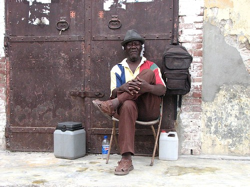 haiti-homme-rue