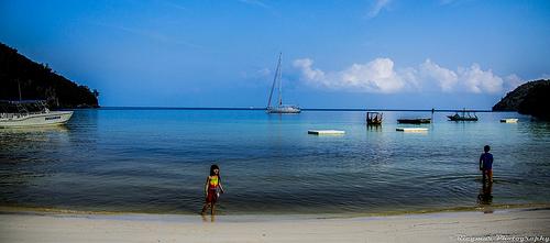 haiti-plage-enfant