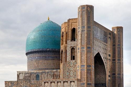 La mosquée Bibi Khanoum à Samarcande, Ouzbékistan (Photo :  Jean-Pierre Dalbéra / Flickr cc.)