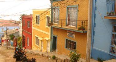 Chili : un incendie ravage une ville classée à l'UNESCO