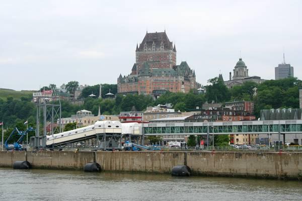 La vue sur le château Frontenac depuis le Saint-Laurent.