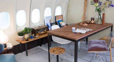 Concours Airbnb pour passer une nuit dans un avion transformé en appartement