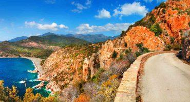 Que faire avec une voiture de location en Corse ?