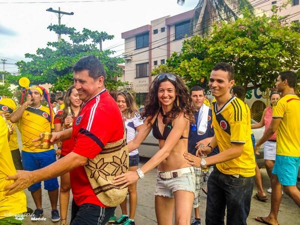 Fête dans les rues après une victoire de la Colombie.
