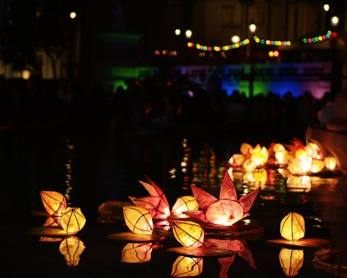 Célébration du Diwali dans un square
