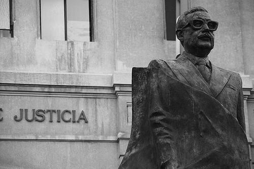 Statue de Salvador Allende (à Santiago)