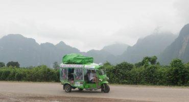 Les facteurs du Mékong :  l'histoire de 4 amis qui ont fait Bangkok-Paris en tuk-tuk