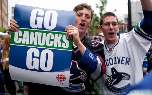 Deux supporters des Vancouver Canucks