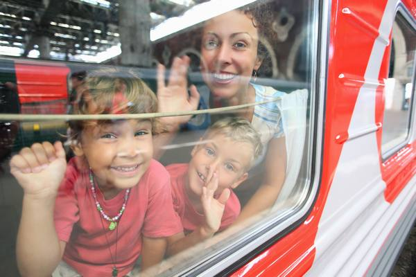 train enfants fenetre