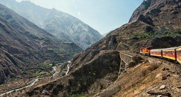 Voyage en train au cœur des Andes : le Ferrocarril Central Andino au Pérou