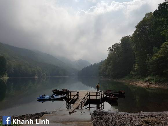 5. Khanh Linh