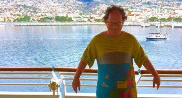 Sam Barsky se tricote des pulls à l'effigie des endroits qu'il visite