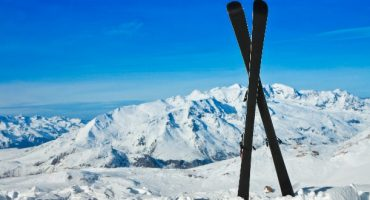L'infographie pour tout savoir sur le prix des transports du matériel de sport d'hiver!