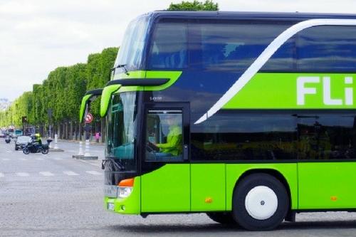 Macron Bus (1)