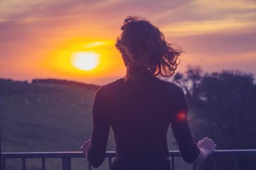 regarder le coucher de soleil
