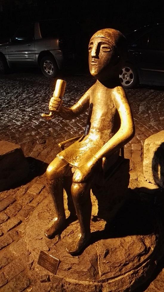 Géorgie Tbilissi statue