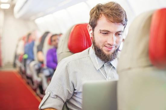 regarder un film en avion