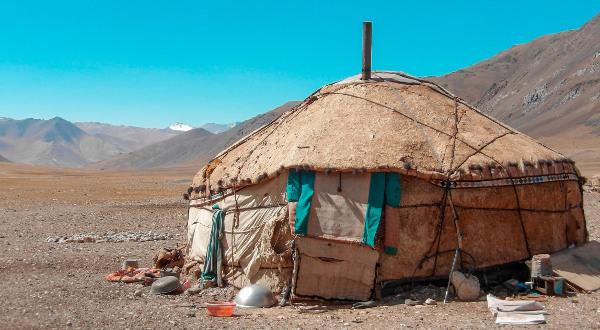 Yourte-Pamir-Highway-Tadjikistan