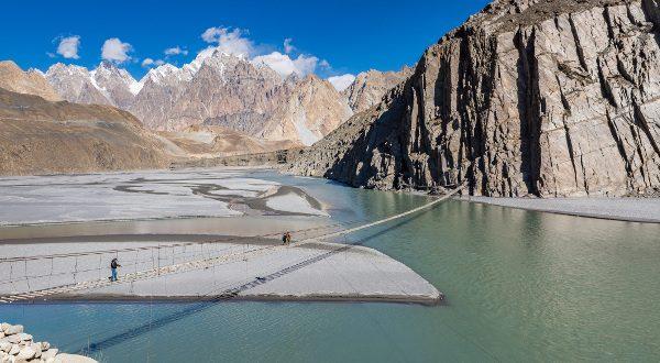 Le pont d'Hussaini, au Pakistan