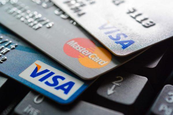 carte de debit location voiture Comment louer une voiture sans carte de crédit ?   Magazine du