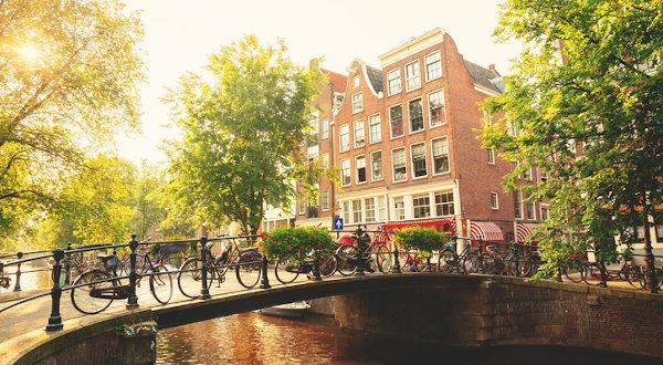 à faire à Amsterdam canaux et vélos