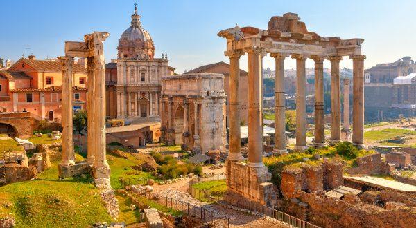 Forum Romain Rome Shutterstock