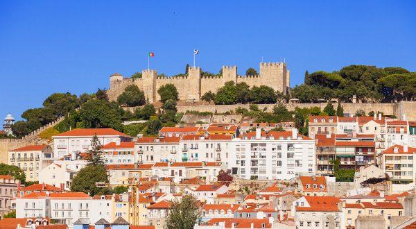 château de Saint-Georges Lisbonne Portugal iStock