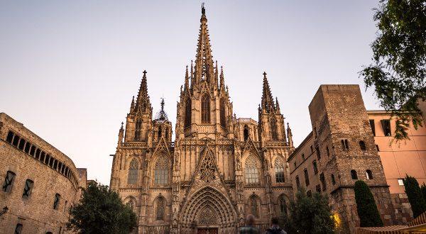 Cathédrale gotique Barcelone iStock 600x330