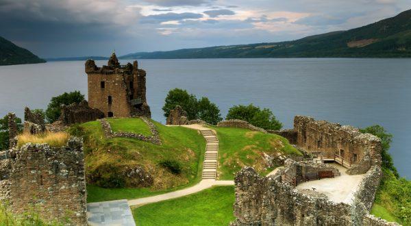 Loch Ness Castle iStock 600x330