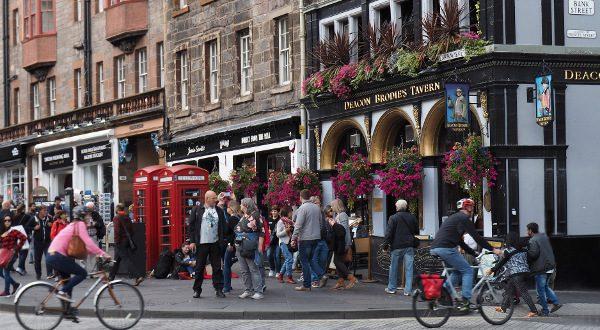 Pub-écossais-istock-600x330