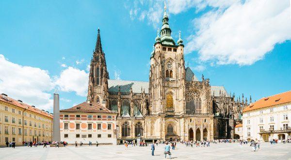Cathédrale Saint Guy Prague iStock