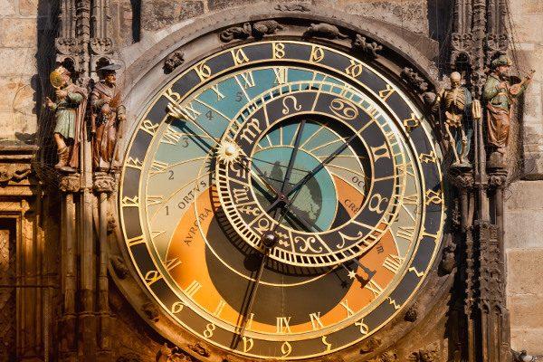 horloge astronomique Prague iStock