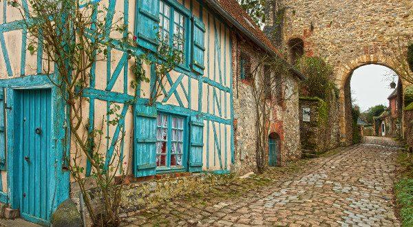 Gerberoy en Picardie iStock