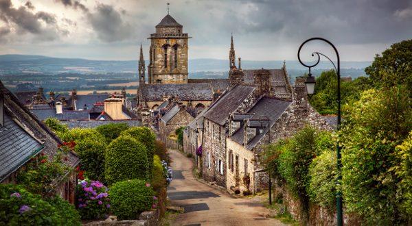 Village de Locronan France iStock
