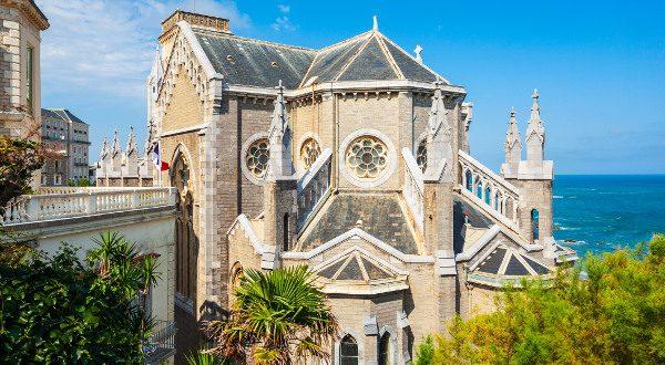 Eglise Egénie Biarritz iStock
