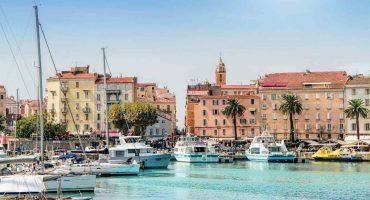 Top 10 des villes françaises les plus populaires pour les vacances d'été 2020