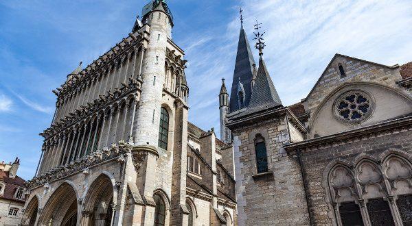 Eglise-Notre-Dame-Dijon-iStock