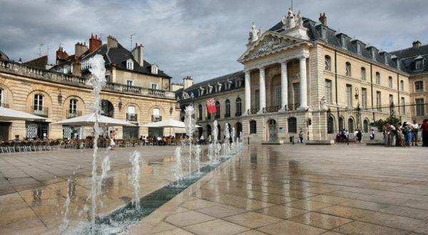 Palais des Ducs de Bourgogne Dijon iStock