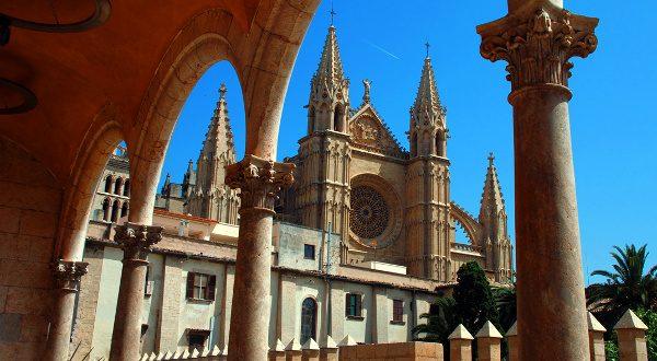 Cathédrale Palma de Majorque iStock