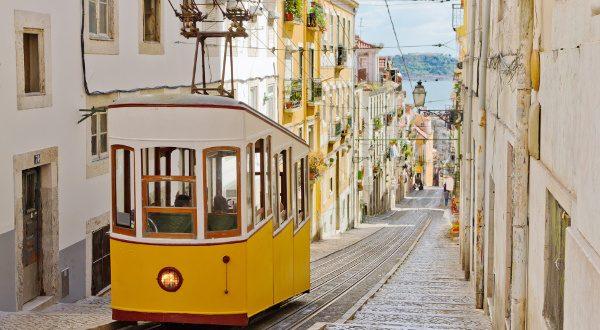 Lisbonne Portugal Barrio Alto Sutterstock