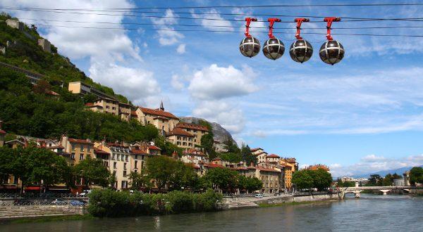 Grenoble téléphérique shutterstock