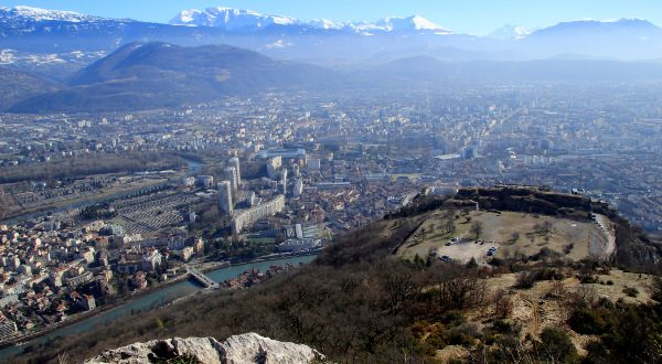 Vue sur Grenoble iStock