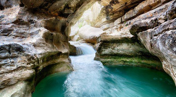 Gorges de la Méouge en Provence iStock