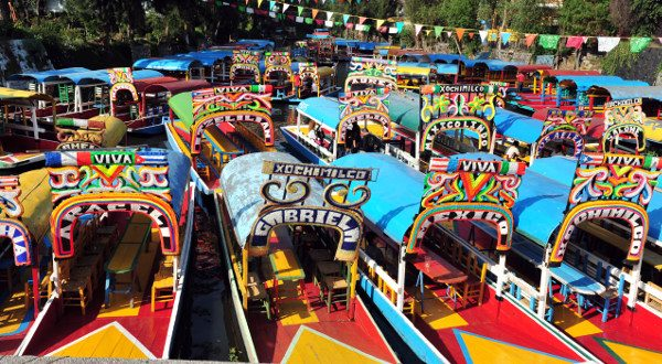 Jardins-flottants-de-Xochimilco-Mexico-City-Shutterstock